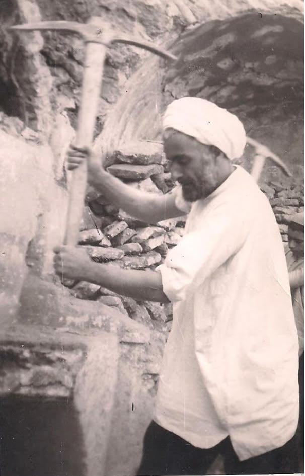 عملیات تغییر حمام اخلمد از حالت خزینه ای به حالت دوشی، شیخ ابراهیم غفاری